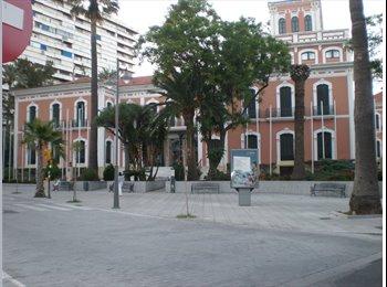 EasyPiso ES - HABITACIONES LIBRES EN CENTRO DE HUELVA , Huelva - 145 € por mes