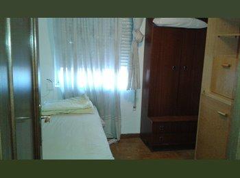 EasyPiso ES - Se alquila amplia y luminosa habitación, San Blas - 350 € por mes