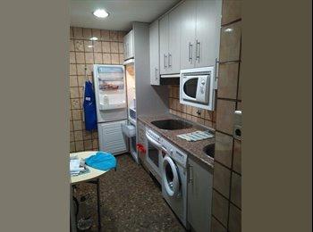 EasyPiso ES - Se alquilan 2 habitaciones, Zaragoza - 180 € por mes