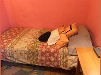 EasyPiso ES - SUPERB ROOM IN TH E VERY HEART OF SOL DISTRICT, Madrid - 525 € por mes