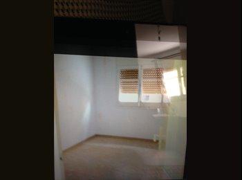 EasyPiso ES - Habitación en alquiler , Badalona - 250 € por mes