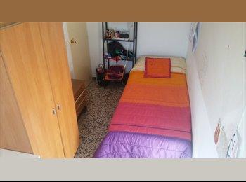 EasyPiso ES - Se busca compañero de piso cercano a Ronda de Triana (estudiantes), Sevilla - 184 € por mes