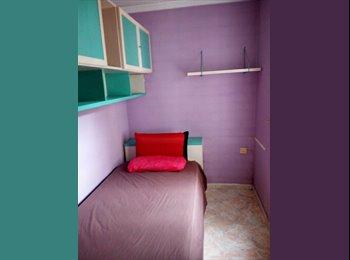 EasyPiso ES - Alquilo habitación, Santa Coloma de Gramanet - 260 € por mes