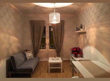 EasyPiso ES - habitación individual en parte alta de Gracia, Gràcia - 350 € por mes