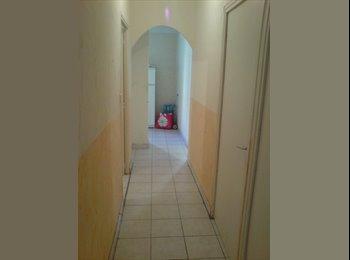 Appartager FR - particulier à louer : chambre équipée, Venelles - 369 € /Mois