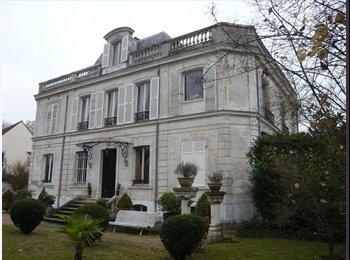 Appartager FR - Appartement proche banlieue ouest, Croissy-sur-Seine - 600 € /Mois