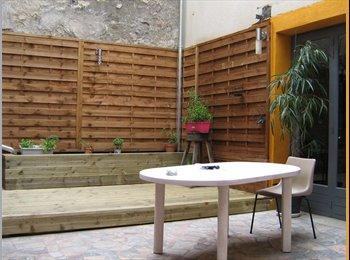 Appartager FR - maison sur 3 niveaux avec cour, Saint-Avertin - 370 € /Mois