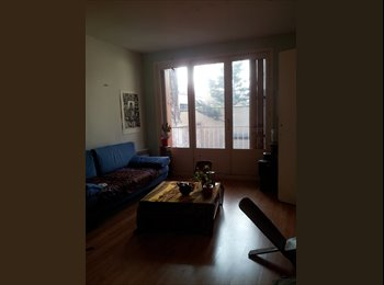 Appartager FR - colocation six mois pour la rentrée prochaine dans grand appartement dans le 14ème, 14ème Arrondissement - 650 € /Mois