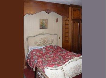 Appartager FR - Belle chambre de 45 m2 dans une maison familiale, Fournes-en-Weppes - 500 € /Mois