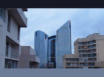 Appartager FR - Sous/colocation LA  DEFENSE RER A ,1 chambre sera libre le  3 juillet 2017 pour 2 mois           , Nanterre - 580 € /Mois