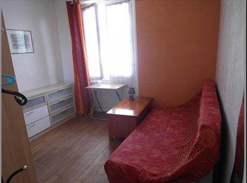 Appartager FR - Chambre 13.5 m² appt 100 m² Bd Leclerc Lorient, Lorient - 225 € /Mois