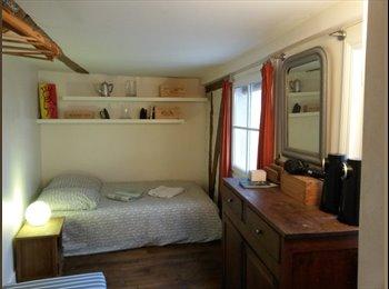Appartager FR - Chambre apt de charme St Germain des Prés 6ème, 6ème Arrondissement - 850 € /Mois