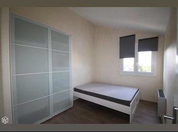 Appartager FR - Dans DUPLEX 95m² - 1 Chambre, Noisiel - 400 € /Mois
