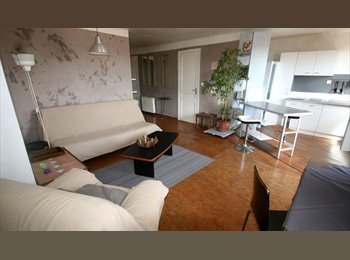Appartager FR - A louer grand T3  75 m²  , Marseille - 460 € /Mois