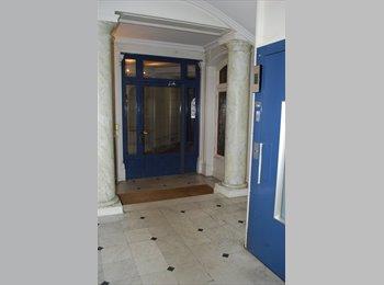 Appartager FR - Appartment to rent in Paris, 8ème Arrondissement - 1000 € /Mois