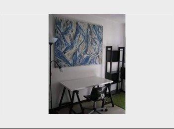 Appartager FR -  Femme artiste, propose belle chambre meubler, Saint-Jean-de-Védas - 350 € /Mois