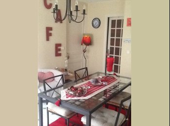Appartager FR -  chambre 19m2 chez l'habitant à coté de LA DEFENSE, Suresnes - 599 € /Mois