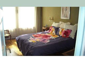 Appartager FR - Chambre meublée dans maison  face a l'UBO, Brest - 300 € /Mois