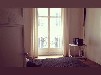 Appartager FR - Grande chambre meublée de 17m2 avec balcon dans le 10è, 10ème Arrondissement - 800 € /Mois