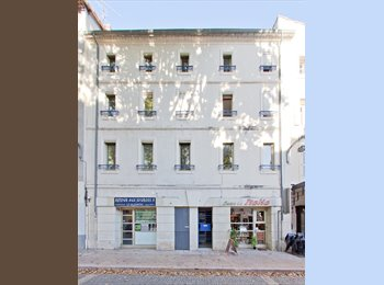 Appartager FR - Immeuble en colocation Avignon IM, prés université, Avignon - 400 € /Mois