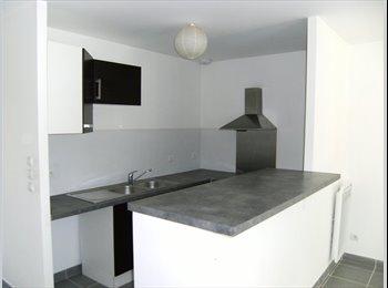 Appartager FR - 1 chambre dans maison de 85m2 (déjà 2 occupées), Cenon - 375 € /Mois