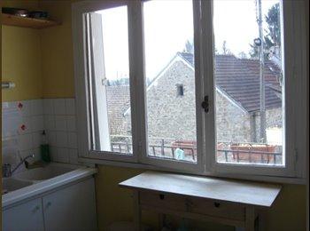 Appartager FR - Collocation calme et confortable, Pontoise - 370 € /Mois