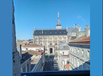 Appartager FR - Plateau-Centre vieille ville très beau duplex , Angoulême - 300 € /Mois