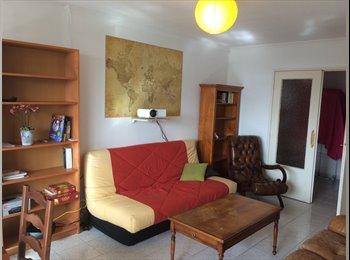 Appartager FR - coloc de 4 meublée-metro Gratte-Ciel, Villeurbanne - 380 € /Mois