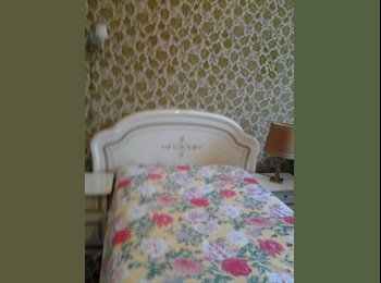 Appartager FR - Chambres tout confort dans maison avec jardin, Saint-Jean-le-Blanc - 350 € /Mois