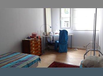 Appartager FR - chambre pour étudiante uniquement , 9ème Arrondissement - 800 € /Mois