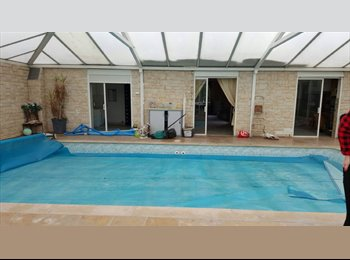Appartager FR - 2 chambres disponibles dans maison avec piscine et jardin, Sevran - 370 € /Mois
