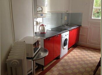 Appartager FR - Chambre lit 140   appT colocation COURTE DUREE POSSIBLE, Tours - 370 € /Mois