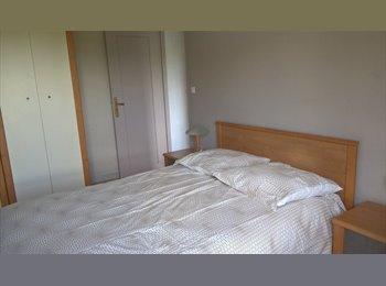 Appartager FR - Chambre meublée  à  7'à pied RER A et 5' à pied de la Cité Descartes., Champs-sur-Marne - 550 € /Mois