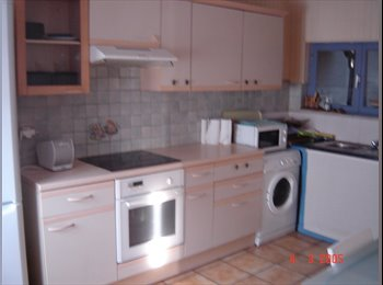 Appartager FR - LOUE CHAMBRES MEUBLEES COLOCATION 350€, Mouvaux - 350 € /Mois