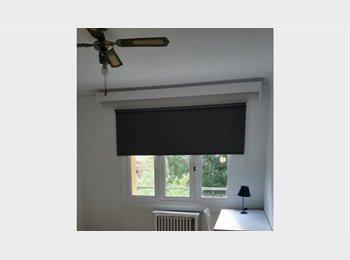 Appartager FR - Chambre dans maison familiale dans une double impasse calme et sécurité assurés, Colombes - 580 € /Mois