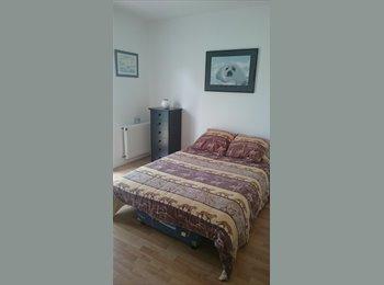 Appartager FR - 2 Chambres chez l'habitante pour étudiantes, Puilboreau - 380 € /Mois