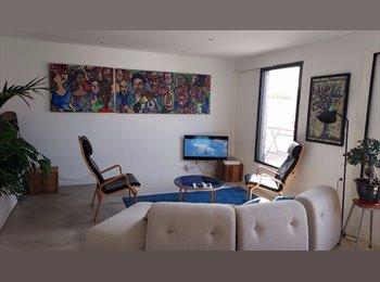 Appartager FR - Location  Chambre dans appart 83m2 Joliette pour 15 jours, Marseille - 400 € /Mois