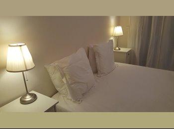 Appartager FR - Super Sympa Appartement International, Vallauris - 990 € /Mois