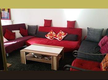 Appartager FR - Chambre dans 3 pièces tout confort, Eckbolsheim - 400 € /Mois