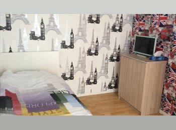 Appartager FR - Chambre dispo pour Seulement étudiantes  , Dijon - 300 € /Mois