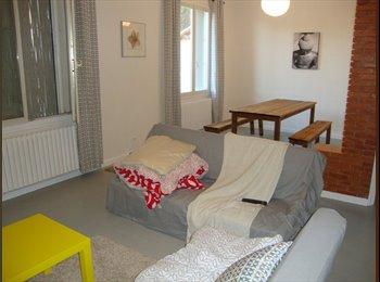 Appartager FR - collocation dans villa 100 m2 proche Avignon , Saint-Saturnin-lès-Avignon - 450 € /Mois