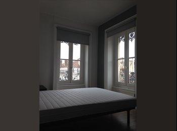 Appartager FR - Colocation dans le premier , appartement rénové,de 3 chambres, Lyon - 437 € /Mois