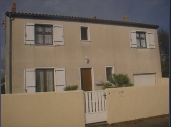 Appartager FR - chambre meublée individuelle dans colocation/maison avec jardin proximité fac et école ingénieu, Aytré - 430 € /Mois