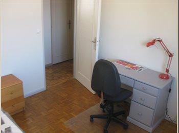Appartager FR - Loue 1 chambre dans meublé du 01.06 au 31.08.2017, Saint-Fons - 425 € /Mois