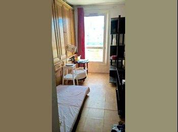 Appartager FR - loue chambre 13 m2 a 10 min NANTERRE , Nanterre - 400 € /Mois