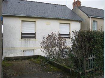 Appartager FR - loue chambres meublees dans maison en colocation 320 euros/mois, Nantes - 320 € /Mois