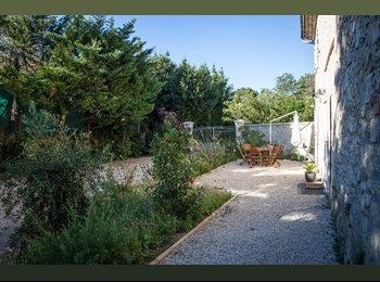 Appartager FR - Chambre meublée dans un mas dans la nature., Le Pontet - 405 € /Mois