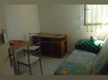 Appartager FR - Chambres meublées dans résidence avec piscine et parc, Montpellier - 290 € /Mois