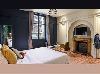 Appartager FR - Chambre Meublée et Design avec SDB et Dressing au centre ville de Bayonne, Bayonne - 500 € /Mois