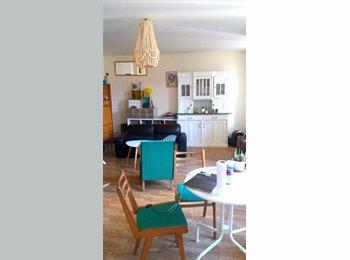 Appartager FR - Chambre dans appartement meublé avec jardin au cente ville, Toulouse - 335 € /Mois